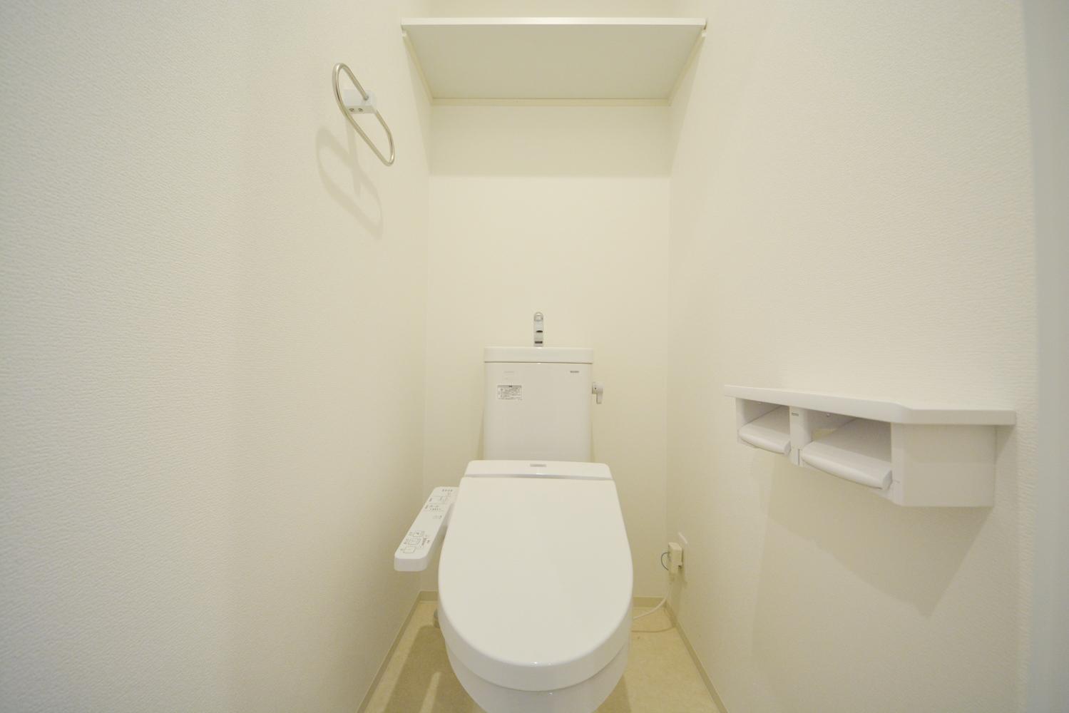 洗浄機能付き温水シャワートイレ